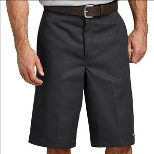 NWT dickies loose fit work shorts.